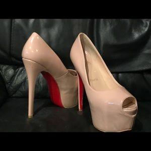 Christian Louboutin Highness Nude stiletto Size 41